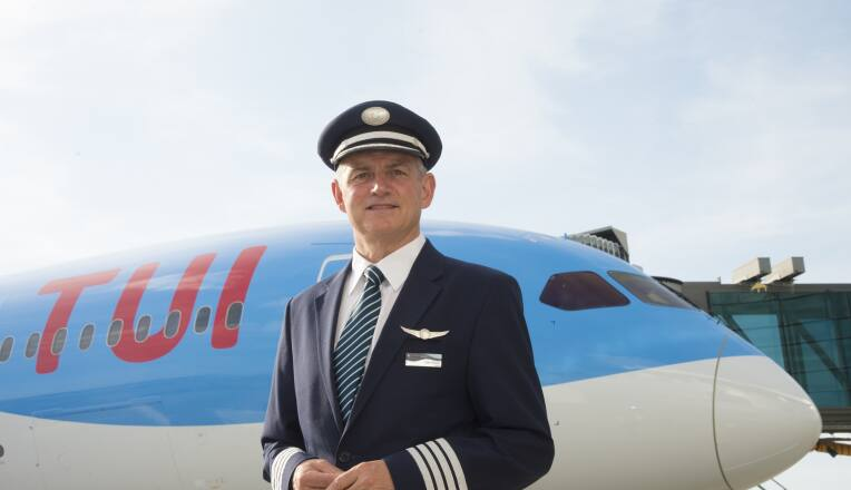 THOMSON AIRWAYS CELEBRATES EXPANSION OF LONG HAUL FLEET WITH